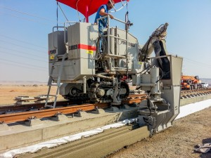 The 5700-C-MAX poured the channel at an average sped of 1,000 m (3,281 ft) per day.